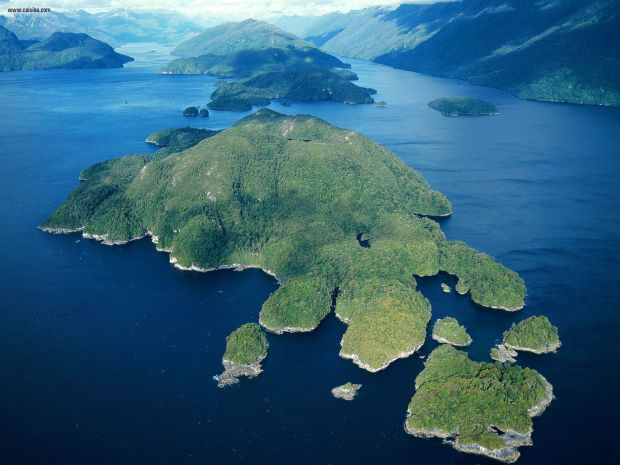 dusky_sound_fiordland_national_park_south_island_new_zealand
